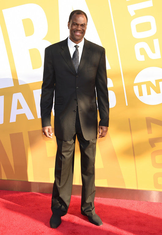 . David Robinson arrives at the NBA Awards at Basketball City at Pier 36 on Monday, June 26, 2017, in New York. (Photo by Evan Agostini/Invision/AP)