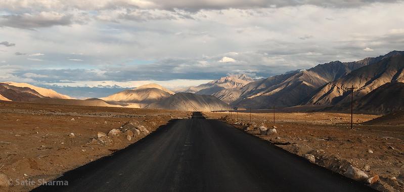 RoadToLeh01_1k.jpg