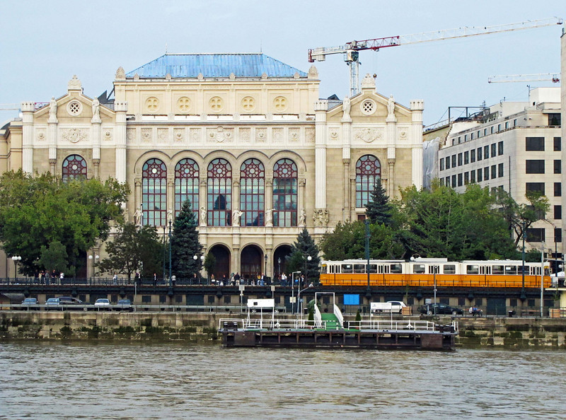 22-Pesti Vigadó (Concert Hall) and riverside tram