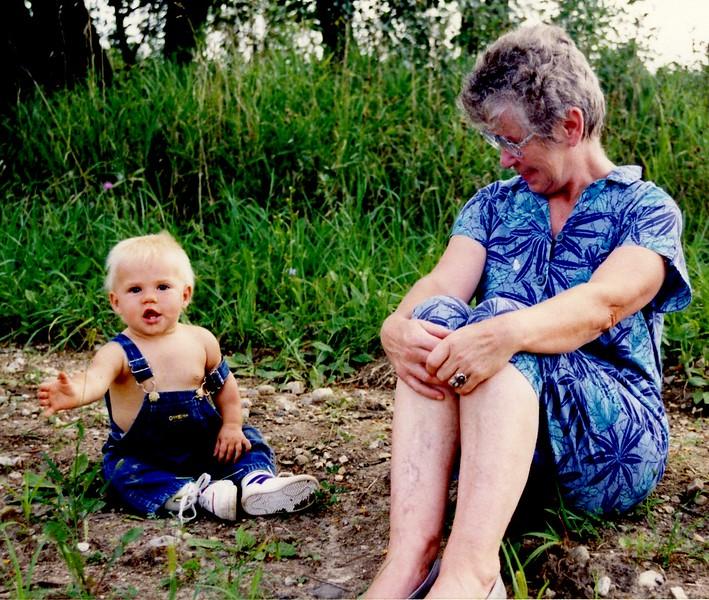 Oma096 Sept 1990 (1).jpg