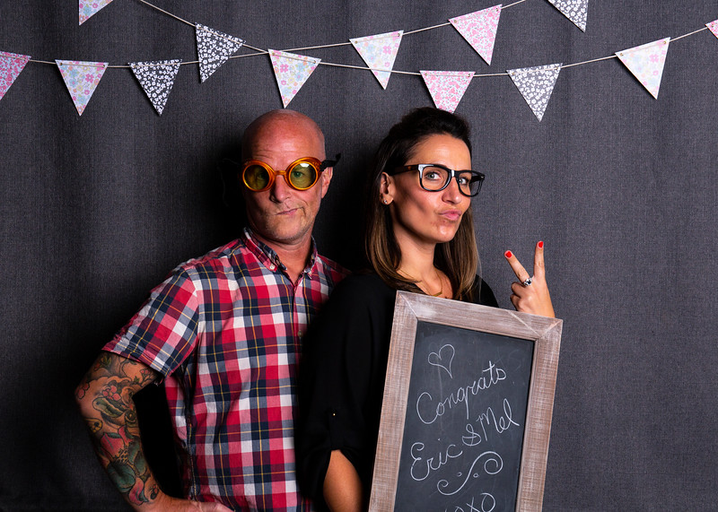 Montreal_Wedding_Photographer_Lindsay_Muciy_Photography+Video_M&E_PHOTOBOOTH.jpg