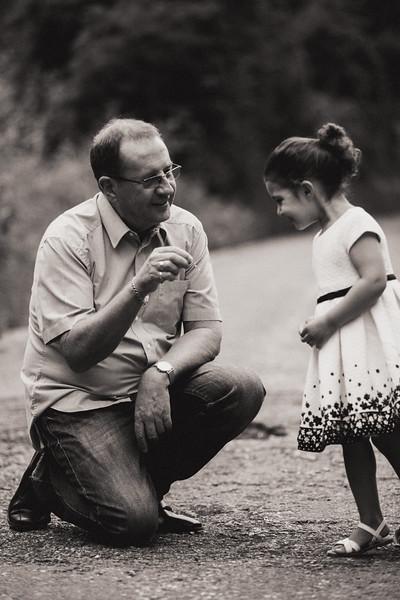 Virdee_family_portraits_ben_savell_photography_harlow_town_park_june_2017-0020.jpg