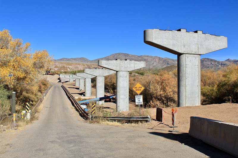 New bridge under construction next to historic one-lane bridge over the Gila River (2018)