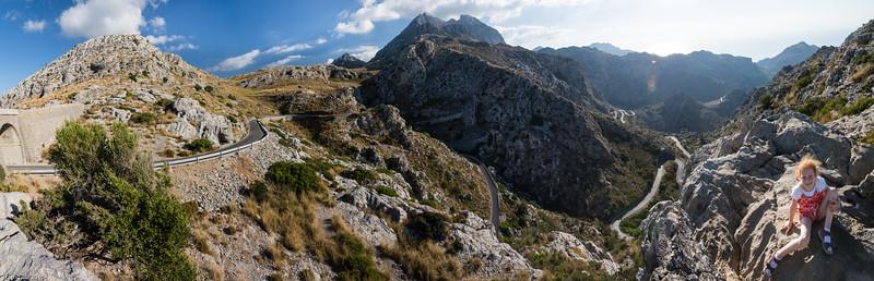 800 Höhenmeter auf 12 km - die Strasse nach Sa Calobra / 800 vertical meters on 12 km - the street to Sa Calobra