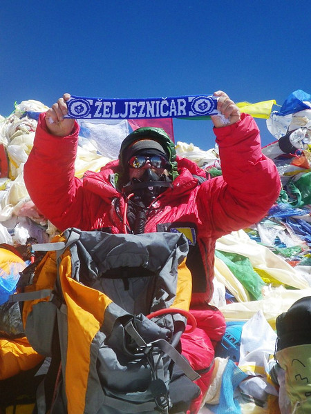 At the roof-top of the world: Mt Everest at 29,035ft or 8.850m - 3. 10am - May 19, 2012.