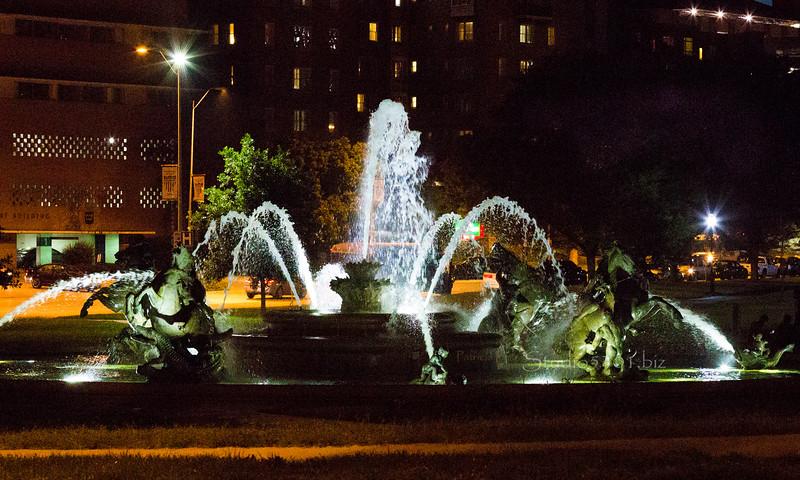 Plaza horse fountain 4219.jpg