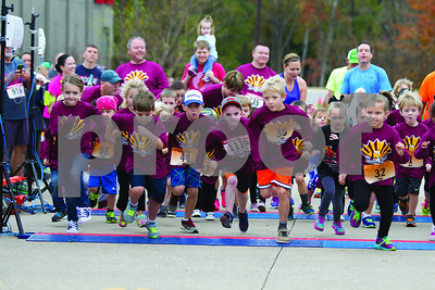 runners-hit-the-streets-for-tyler-turkey-trot-5k
