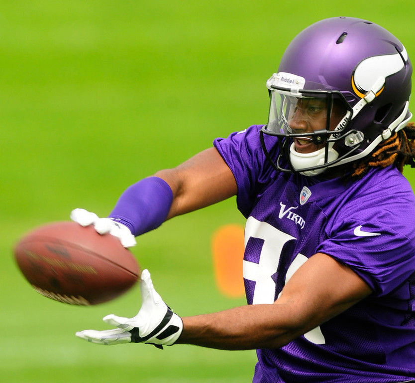 . Rookie wide receiver Cordarrelle Patterson catches a pass. (Pioneer Press: Scott Takushi)