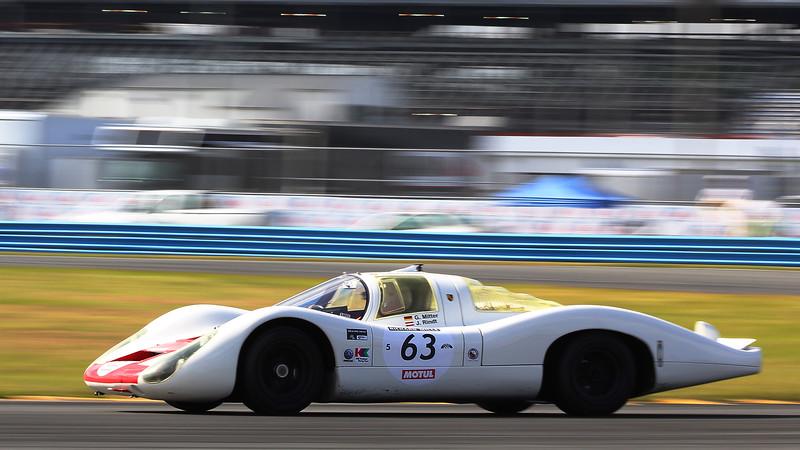 Classic24-2014_#4257-#63-Porsche907L-Crop.jpg