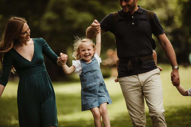Izmi_Baby_Carrier_Olive_Lifestyle_Back_Carry_Family_Walk_Playing.jpg
