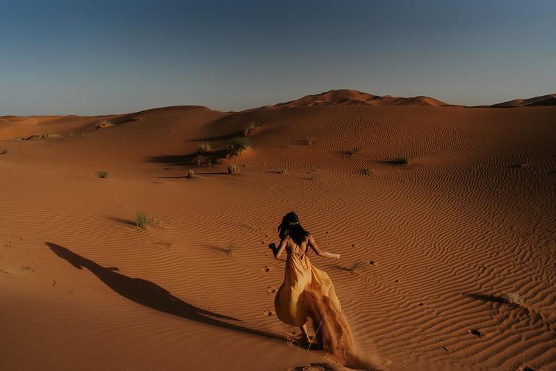 Tu-Nguyen-Destination-Wedding-Photographer-Morocco-Videographer-Sahara-Elopement-326.jpg