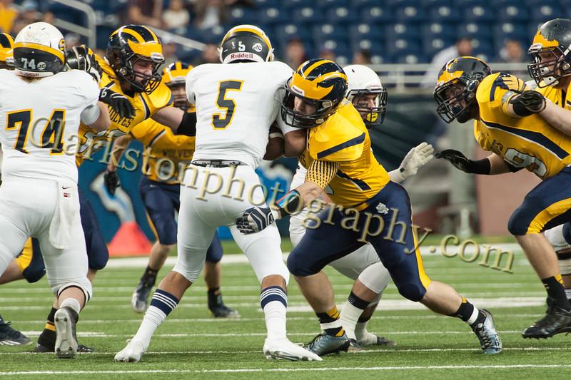 2014 Clarkston Varsity Football vs. Saline 101.jpg
