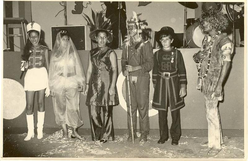 Carnaval 1972:  Micotas Ressurreição, Wanda Lourenço, Ana Maria Josefa , Helder Simões, To Ze' Nogueira e um tropa?