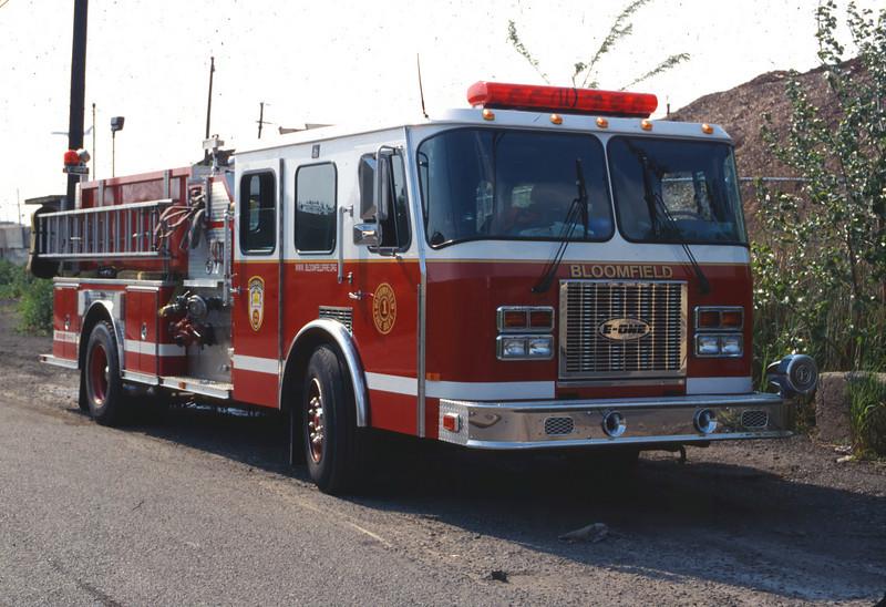 Newark 5-7-00 - S-18001.jpg