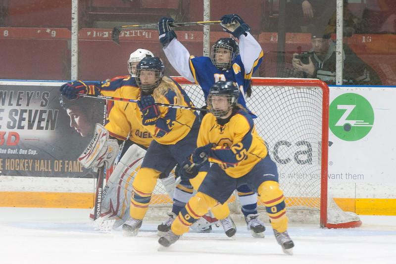 20130310 QWHockeyvsUBC 444.jpg
