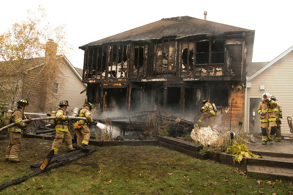 Algonquin Oct. 24, 2008 -  2-Alarm Fire Destroys Home