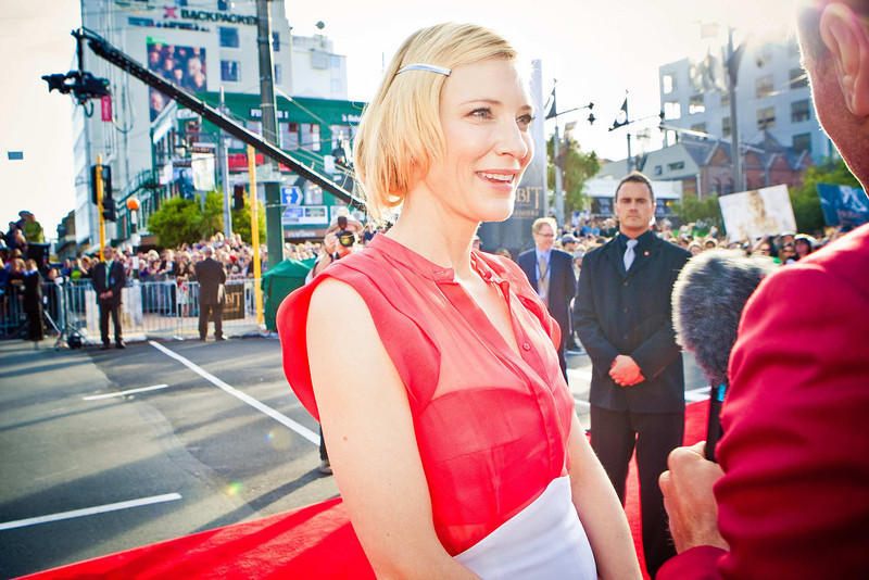 . Australian actress Cate Blanchett talks to a TV crew on the red carpet at the world premier of \'The Hobbit - An Unexpected Journey\' in Wellington November 28, 2012.    REUTERS/Positively Wellington Tourism/Handout