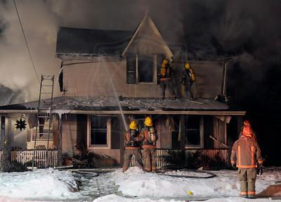 Orono, ON - February 28, 2011 - Main Street - Working Fire