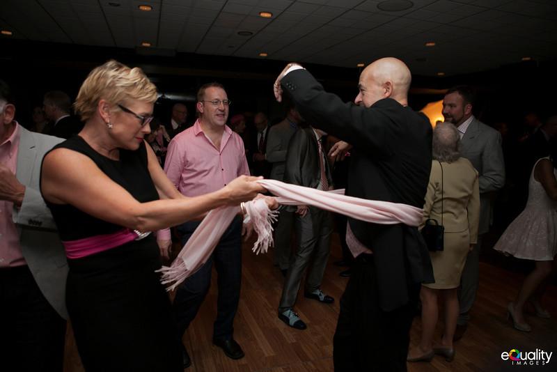 Michael_Ron_8 Dancing & Party_059_0639.jpg