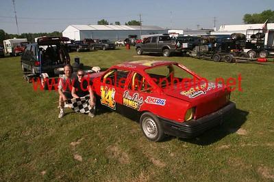 06/05/11 Racing