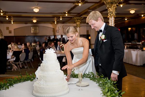 Snow - Cake Cutting