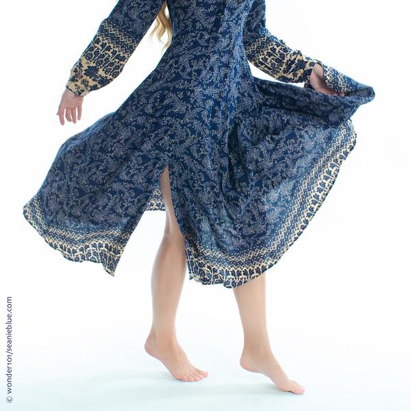 HiFash WW robe 1400 54-8306.jpg