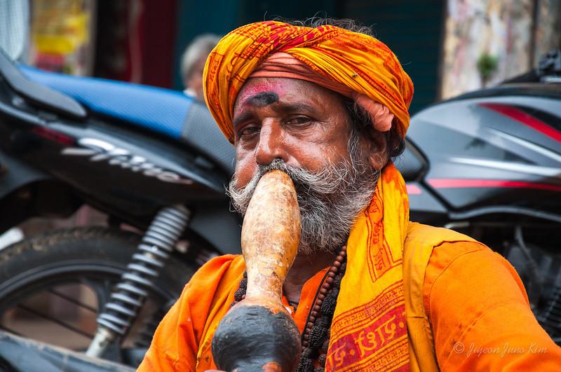 India-Varanasi-6735.jpg