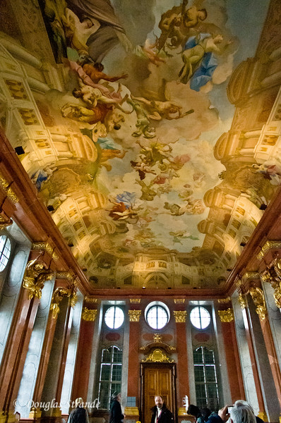 Ceiling art painted to give the illusion of a curved ceiling