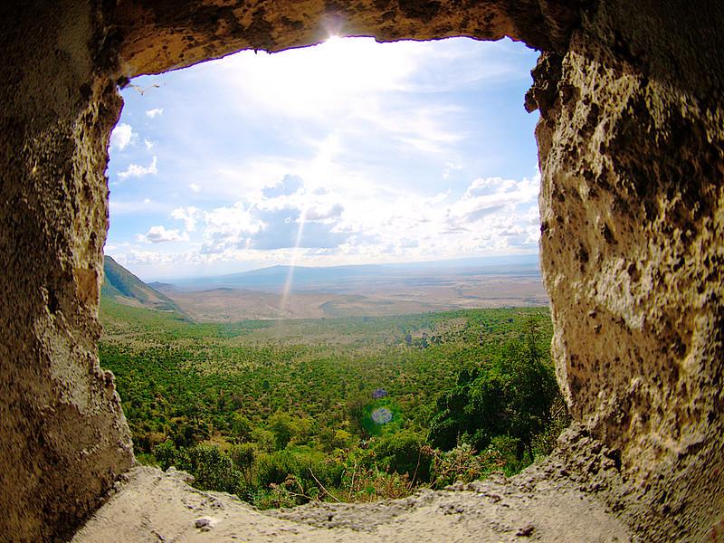 Utsikt over Rift Valley, fra Navaisha-nedstigningen, oktober 2007. *** Viewing Rift Valley, from the Naivasha Escarpment, October 2007. (Foto: Geir)