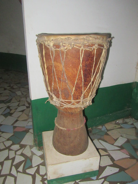 022_Banjul. Kachically Crocodile Poll and Museum. Djembe.JPG