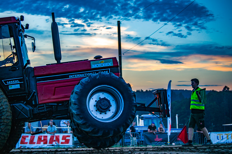 Tractor Pulling 2015-01719.jpg