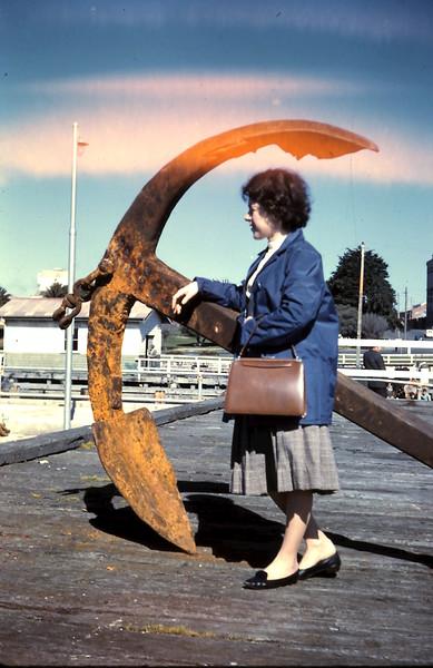 1961-8-20 (2) Mary @ Geelong.JPG