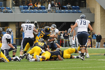 26432 football WVU vs Connecticut