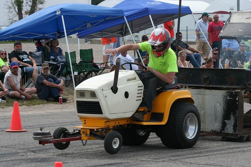 St. Paul Park tractor pull 2013 042.JPG