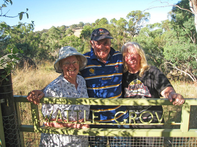 2012 Gate to Wattle Grove Harvey Debbie Gina.jpg