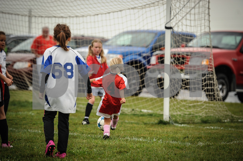 9-08-18 Eva Nygaard's u-8 soccer game vs LB-43.jpg