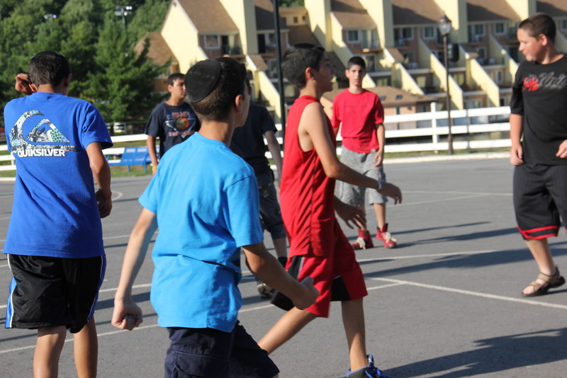 kars4kids_thezone_camp_boys_basketball (15).JPG
