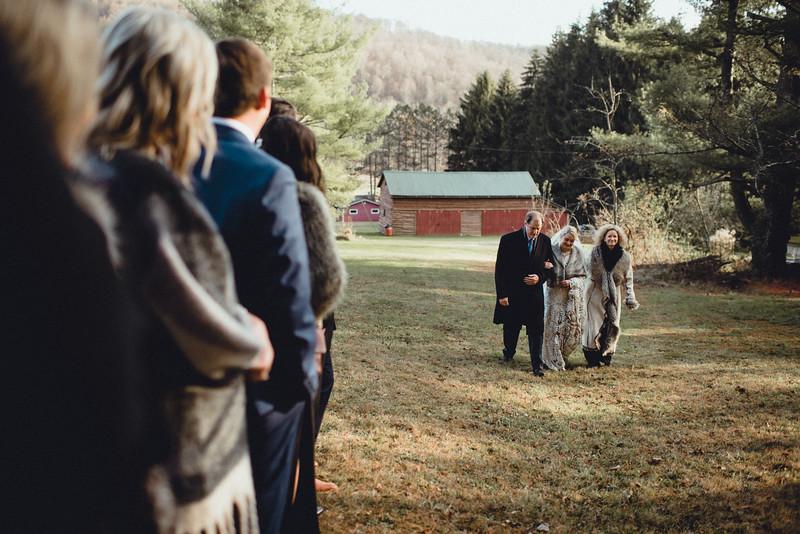 Requiem Images - Luxury Boho Winter Mountain Intimate Wedding - Seven Springs - Laurel Highlands - Blake Holly -957.jpg