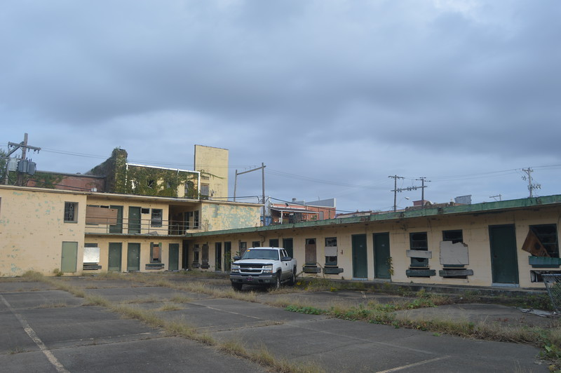 146 Abandoned Motel.jpg