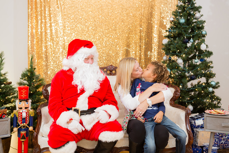 FADS Picture with Santa-203.jpg
