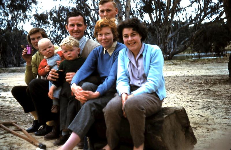 1960-8 (1) Barb, Louise, Dick, Tony, Graham, Judy & Mary.JPG