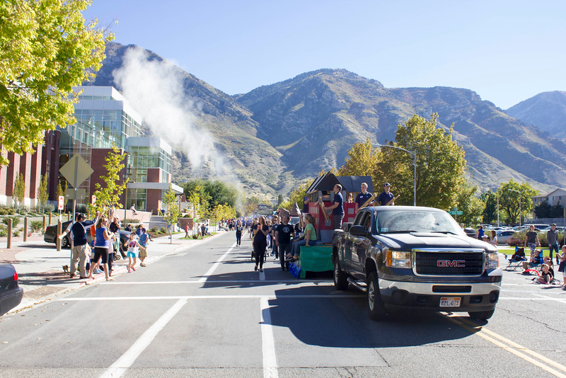 2015_10_10_Homecoming_Parade_7862.jpg