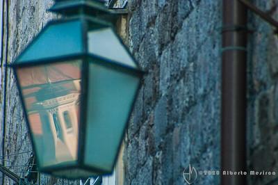HR - Dubrovnik: lanterns