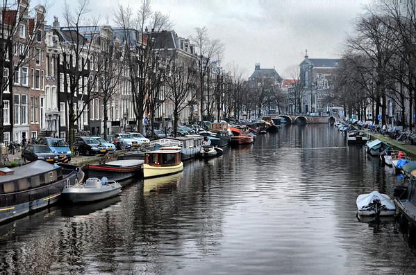 403-54-Amsterdam Canal lge.JPG