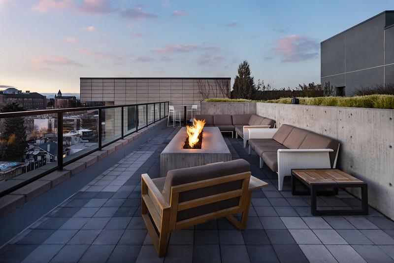 Sonder-Denver-Atelier-Amenities-Firepit_Evening.jpg