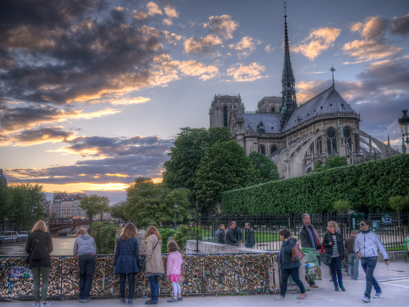 Sundown in Paris