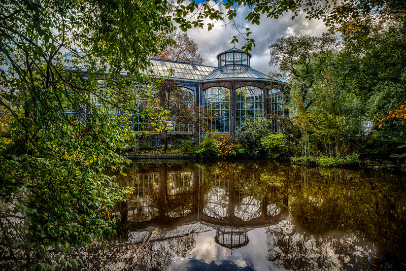 Magnificent HDR capture of the Botanical Garden.