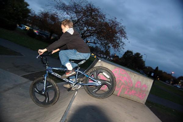 Woodsend Skatepark 27102009