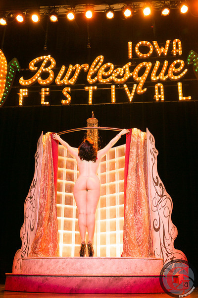 burlesque day2 edits (279 of 123).jpg