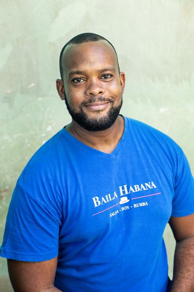 2019_11_19- KTW_Baila-Habana-Headshots__789Bkgd.jpg